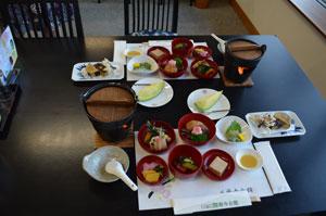 Mahlzeit im Japanischen Kloster